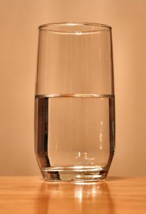 640px-Glass-of-water