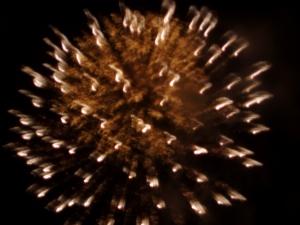 Large chrysanthemum stle fireworks burst, white