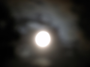 Full mooon in clouds