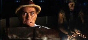 Darren McGavin as Carl Kolchak looking scared